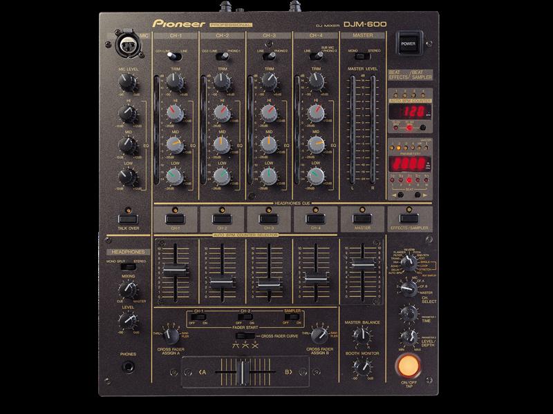 Pioneer DJM 600 Mixing Desk
